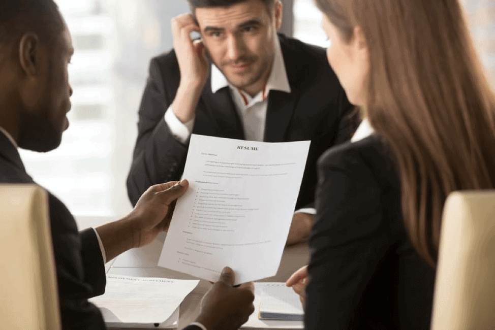 7 Resume Red Flags Employers Hate